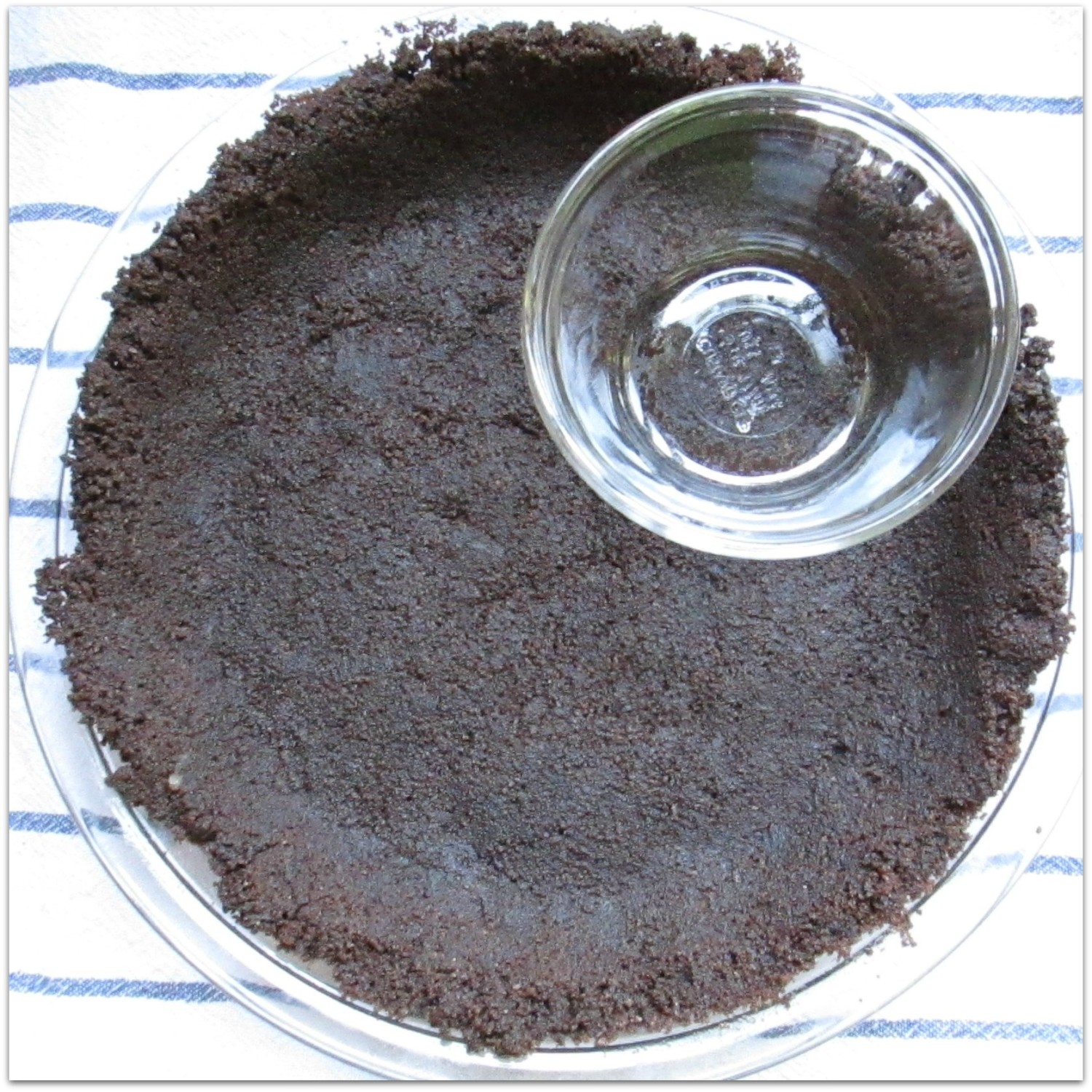 Chocolate Cookie Pie Crust: Use a custard cup to flatten bottoms & sides evenly.